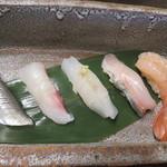 路地中ノ - お寿司