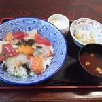 86576134 - 名物黒潮丼1,080円(税込)