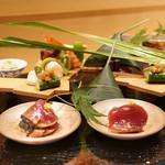 銀座 しのはら - 八寸:鯛の笹鮨、ずいき、カツオ酢漬け、玉子しんじょう、レンコン酢着け、こごみ、スナップえんどう、サイマキ海老、富山もずく