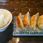 特級鶏蕎麦 龍介 - 餃子セット(380円)