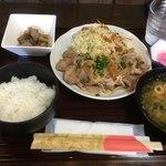 ちょんたま食堂 - 生姜焼き定食680円