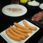 福籠 - ロース、ウィンナー、豚タン