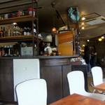 ビオ・オジヤン・カフェ - 内観・キッチンの近くのお席でした。