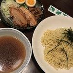 三平 - 料理写真:冷しつけ麺