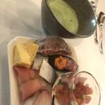 クラシカ表参道 - 寿司盛りと抹茶