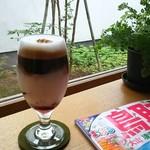 カプリ コーヒー ビーンズ - アイス ラズベリーラテは甘酸っぱさとホロ苦さが絶妙の大人ラテ(●´∀`●)∩♪