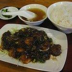 チャイニーズレストラン・ログハウス - 料理写真:料理は意外に美味しい・・・