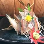 鈴木水産 - アジの活き造り