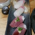 喜多郎寿し - 鯛とカツオのにぎり