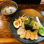 ラーメン 龍の家 - つけ麺もつ 小盛りスペシャル(1,050円)