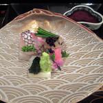 大神 - 二の膳(造り):鯛 剣先烏賊 トロ 浅葱 昆布佃煮