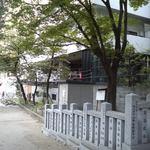 """グローブカフェ - 谷九""""GROVE Café""""高津公園高津神社参道より"""
