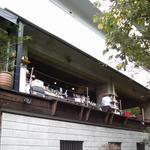 """グローブカフェ - 谷九""""GROVE Café""""バーカウンターの裏側外観"""