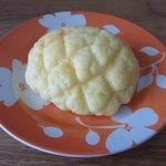 ファータ - 生クリームメロンパン