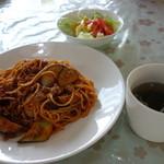 キッチンひまわり - 料理写真:なすのボロネーゼ風パスタ(\850税込み)コーヒー付きます
