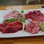 みなと市場 小松鮪専門店 - 料理写真:まぐろ三昧の刺盛