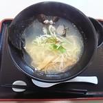 ラーメンの店 ウインズ2 - 「しじみラーメン(しお味)」950円。