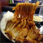 亜珈里 - 焼肉の下にはナポリタン