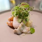86605131 - トリ貝と赤貝と帆立貝を生姜とマイクロハーブで