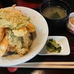 土井 - 料理写真:天ぷら、少なくていいから、エビのランクを上げてほしいなー。