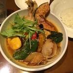 シャンティ - チキンと15種類の野菜カレー