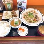 くおり亭 - 料理写真:野菜炒め定食 800円