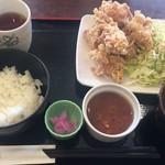 喫茶ロータス - 唐揚げランチ600円