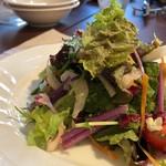 イタリア食堂SORA - ◆共通「サラダ」・・お野菜たっぷりで、ドレッシングもいい味わい。