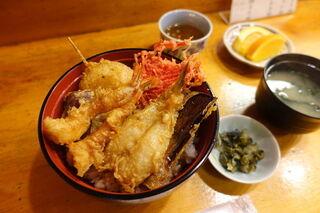 天秀 - 天丼 900円 + ご飯大盛 100円