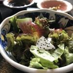 志方亭 - オレンジ、キーウィ、パインなど、フルーツも入ったサラダ(2018.5.28)