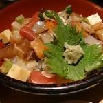 きみまち坂 - 海宝丼というネーミングのバラちらし
