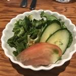 HANAMARU厨房 - サラダ全景