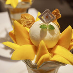 ザ・東京フルーツ パーラー - ゴールドクイーンマンゴーパフェ