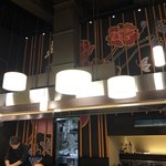 鉄板Diner JAKEN - 天井の高い店内
