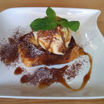 卵's工房 - セットのデザート~パンプディングとアイス