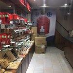 鼎雲茶倉 - 1階の売店コーナー
