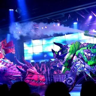 ロボットが踊る!戦う!SNS映えのショーは大人も子供も大満足