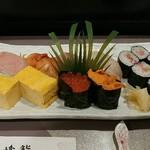 丸峰鮨 - 料理写真:特にぎり