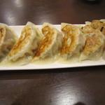 中華レストラン プリンセス - 焼き餃子(5個)→6個にしてくださいました