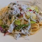 アクアサルーテ - 湘南シラスと鎌倉野菜のペペロンチーノ