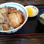 ぶたいち - ロース豚丼 670円