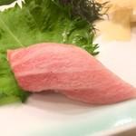 Yohei Sushi Restaurant - 料理写真:中トロかな?
