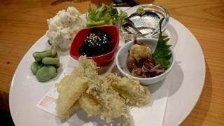 居酒場 cozaru - おまかせ大皿盛り