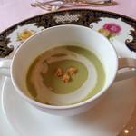 86649829 - グリンピースのクリームスープ