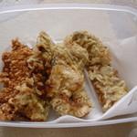 丸政そば - 天ぷらだけを入れ物持参で買ってみました。