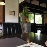 カフェ&ベーカリー フーガス - 店内の雰囲気