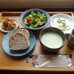 sahan - パンの定食