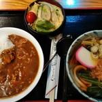 そば処 長岡屋 - ミニ丼セット(カレーライスと温かいうどん、サラダのセット)¥800