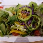 アメリカン食堂 カリフォルニアダイナー ヘンリー - シーザードレッシングのサラダ