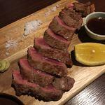 個室肉バル さいたま肉の会プレミアム - 赤みのローストグリル